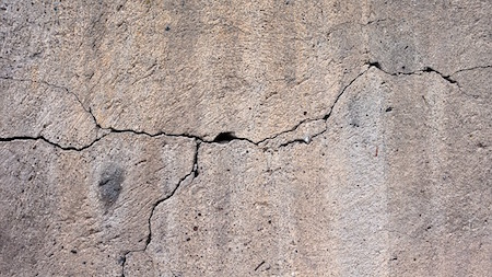 horizontal-foundation-crack-wall