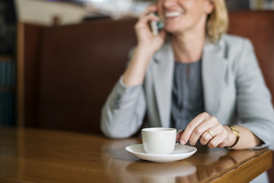 telephone-call-woman-coffee