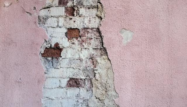 wall-broken-old